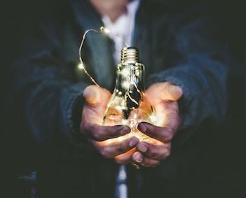 bulb idea riccardo-annandale-140624